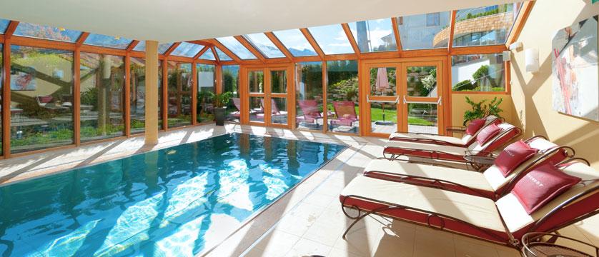 Hotel Kaiserhof, Kitzbühel, Austria - Indoor pool.jpg